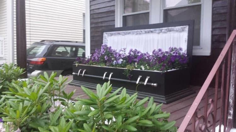 fotos de ataúd-jardín-columna-enfriamiento