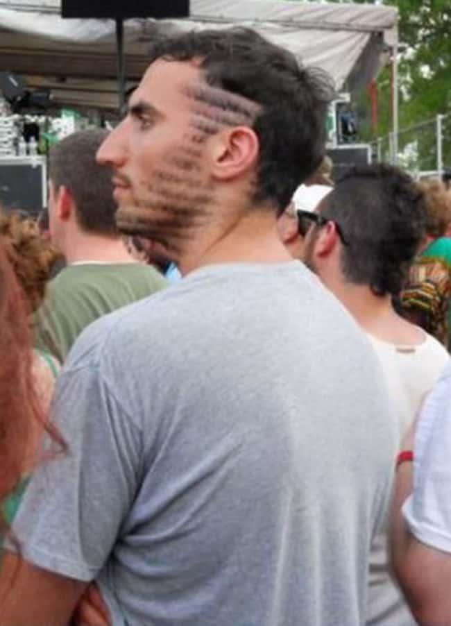 barba divertidos-locos peinados en una tira de pelo